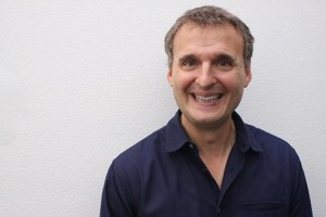1709 – Grabbing a Bite with Phil Rosenthal
