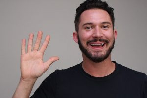 2302 – Scooting Over with Justin Willman
